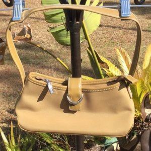 👜Madison Studio Cute Handbag 👜 Only Used Once 👜